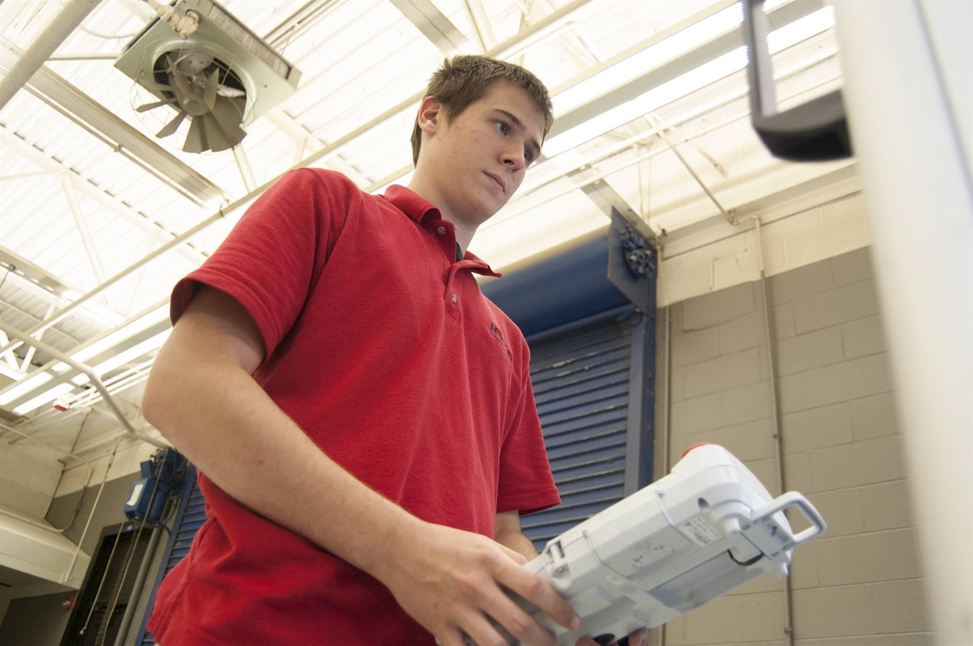 2015 Engineering & Manufacturing Graduate Student Phillip Seidenstricker
